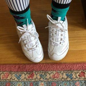 Skechers Shoes - CLASSIC sketchers shape ups!!! 🔗
